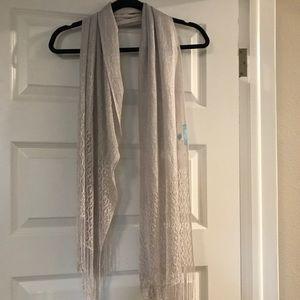 Betsy Johnson Silver scarf